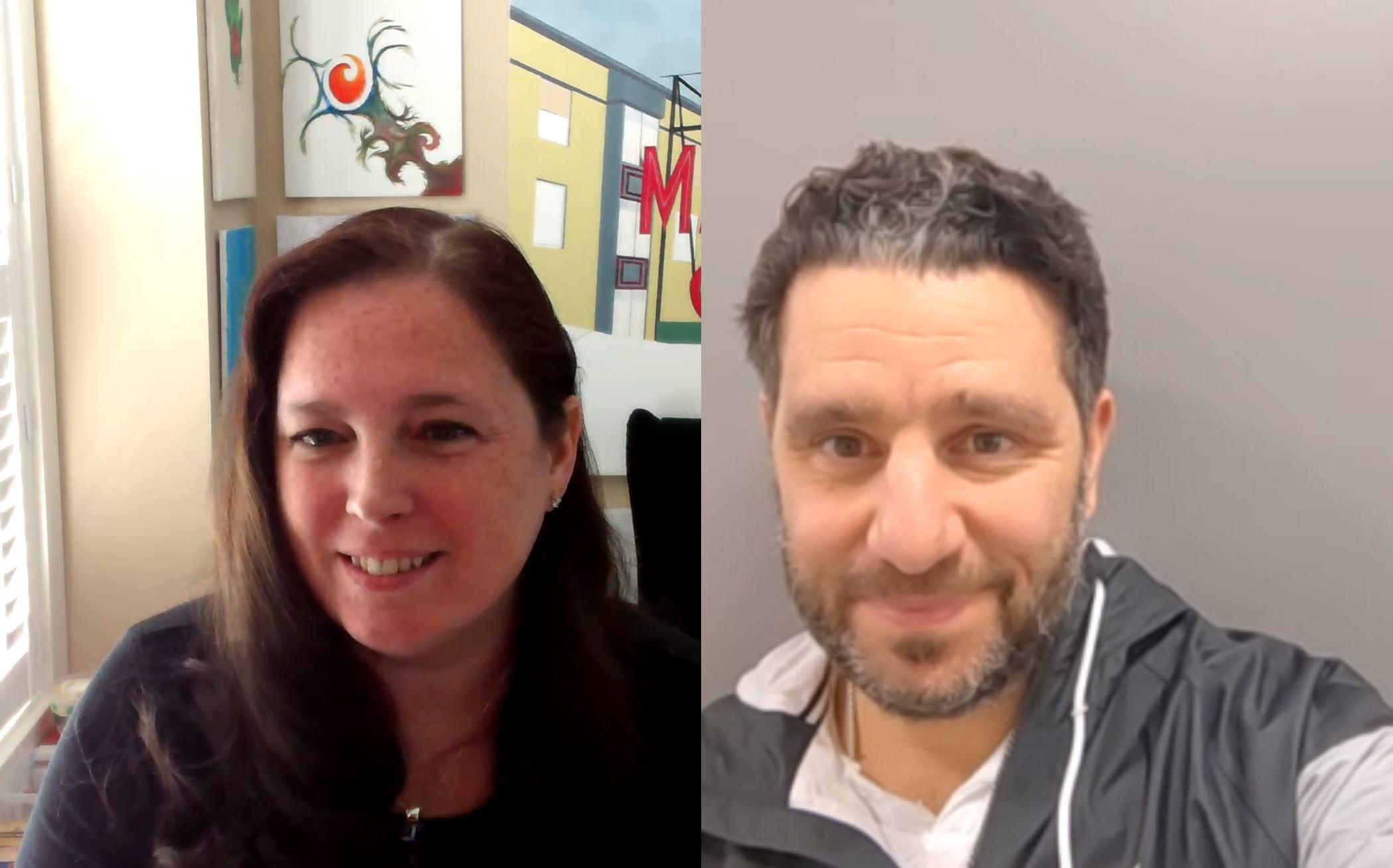 Amanda Langowski (Kiri) dan Panos Panay (Kanan) yang tengah menggunakan Microsoft Teams untuk saling berkoordinasi.